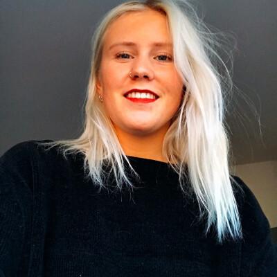 Anne zoekt een Kamer / Studio / Appartement in Den Haag