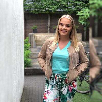 Caroline zoekt een Kamer / Studio / Appartement in Den Haag