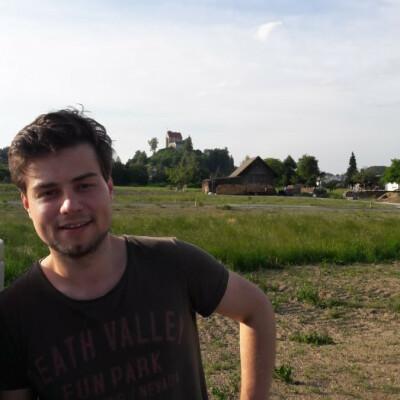 Elija zoekt een Kamer / Studio / Appartement in Den Haag