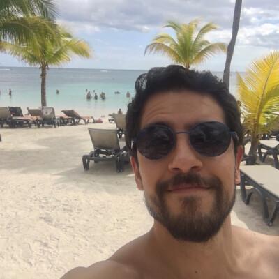 Carlos is looking for a Room / Studio in Den Haag